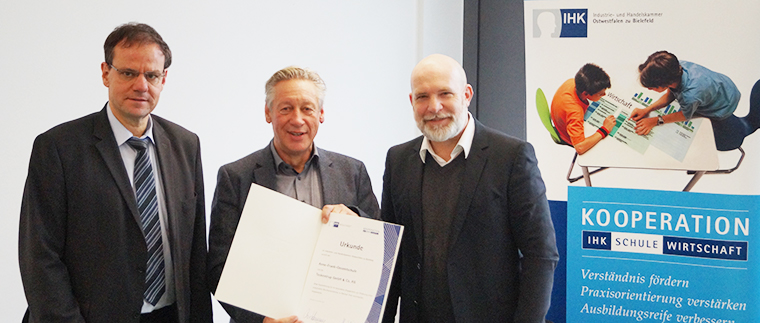 Kooperation IHK – Schule – Wirtschaft zwischen Anne-Frank-Gesamtschule Gütersloh und der Teckentrup GmbH & Co. KG aus Verl