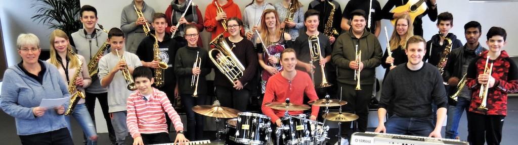 In A Big Band Hour – 60 Minuten Swing, Latin, Pop und Rock im Big Band Sound